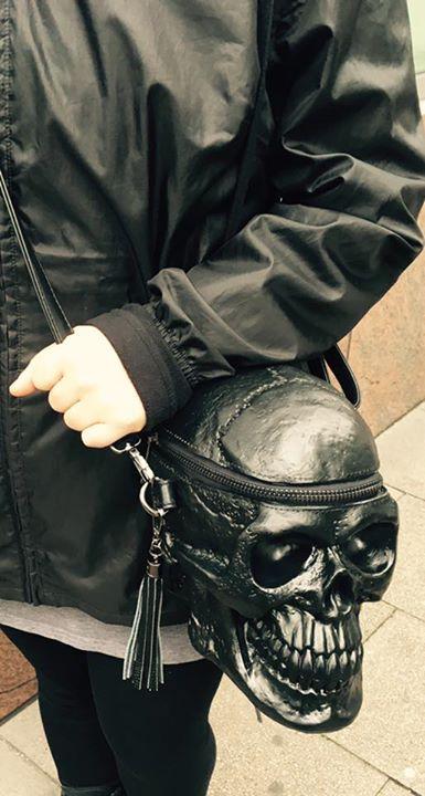 skull-handbag