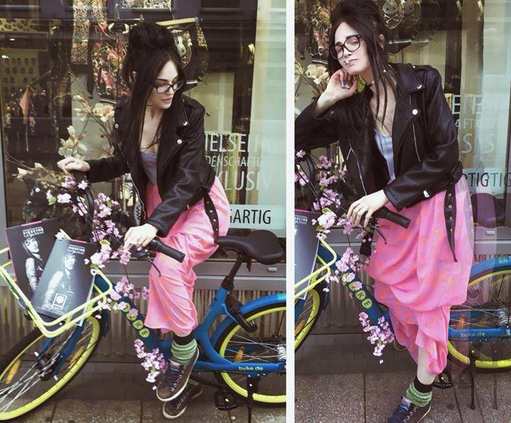 fahrraeder-mit-einer-app-leihen-essencity-thats-neat-citybike-greenfuture-eco-environmen
