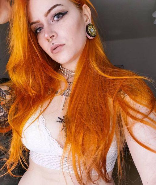Die-wunderschoene-@queen_of_middleearth-mit-unserem-goldenen-septumpiercing-Wann-hast