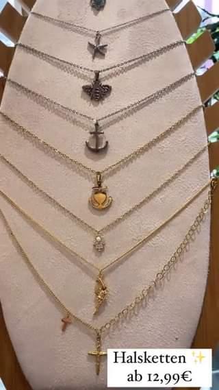 Habt-ihr-eigtl-schon-unsere-neuesten-Halsketten-entdeckt-Da-sind