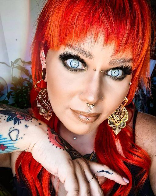 Oh-WOW-diese-Augen-Folgt-@meikemeikchen-auf-Insta-Ein