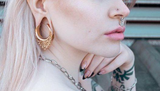 EAR-SADDLES.